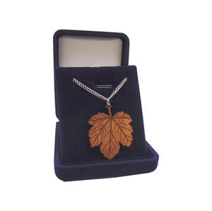 Mapel leafs necklace