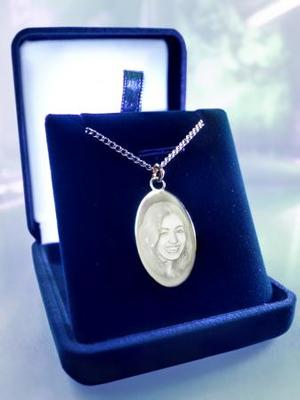 Liten oval silver